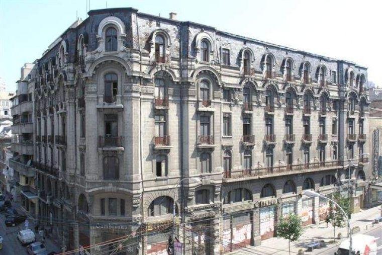"""Poveștile macabre din jurul fostului Hotel Cișmigiu: """"O femeie s-a aruncat de la etajul 3"""""""