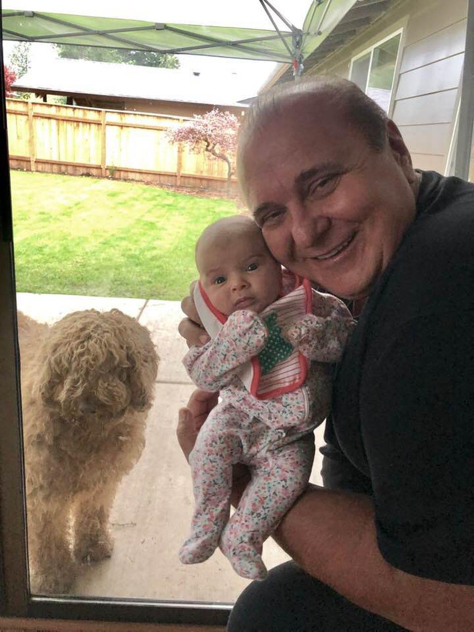 Nick Rădoi a devenit din nou bunic! Prima imagine cu nepoțica