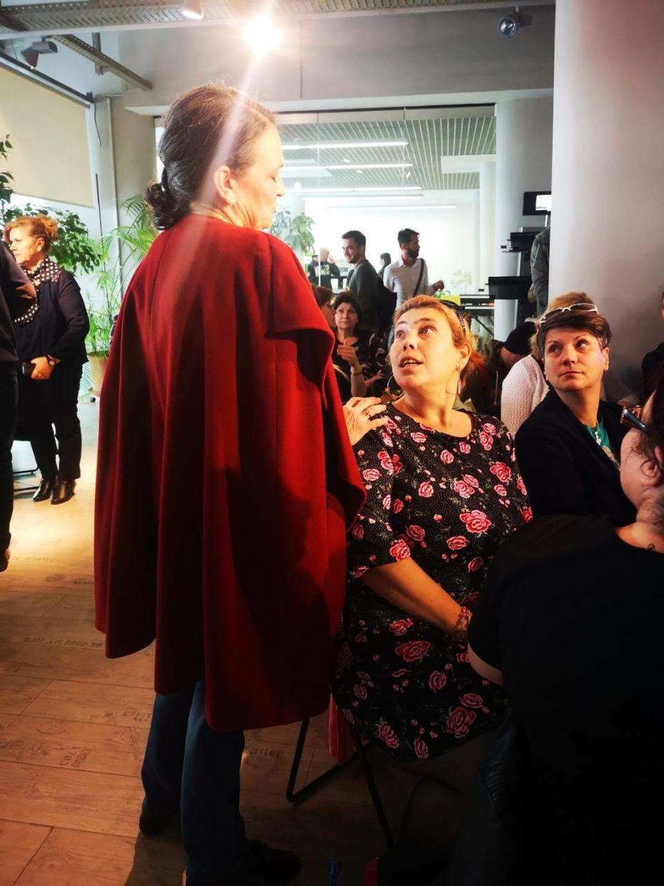 Marile vedete ale muzicii uşoare româneşti, ŞOCATE de schimbarea Ioanei Tufaru! Uite cum a fost îmbrăcată la un eveniment monden!  A purtat rochie, balerini noi şi s-a parfumat! VIDEO EXCLUSIV!