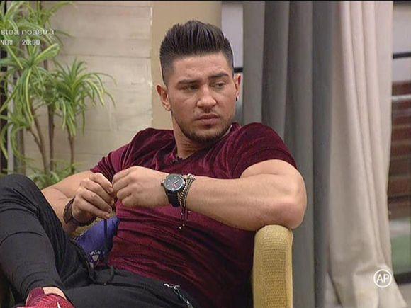 """Bogdan de la """"Puterea dragostei"""", tranșant după sărutul Roxanei cu Jador: """"Prefer să mă retrag"""""""