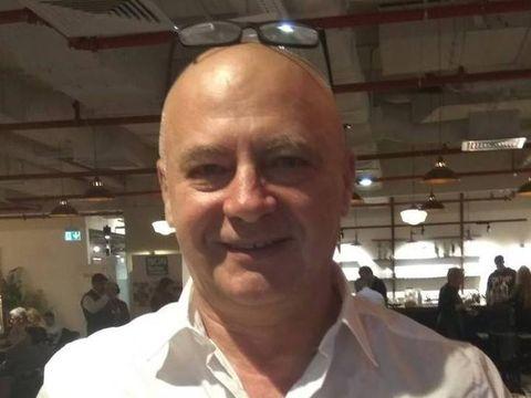 Colegul nostru, celebrul Mircea N. Stoian, împlinește astăzi 62 de ani!