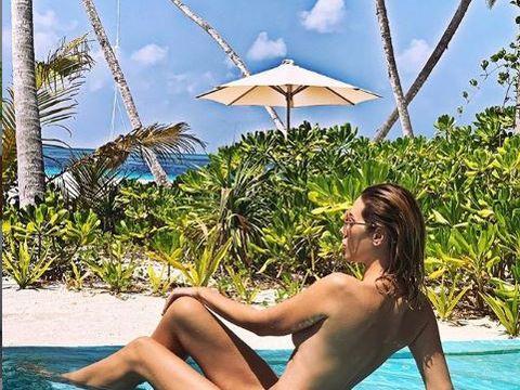Cel mai sexy chef de la noi, goală pușcă în vacanță! Video WOW