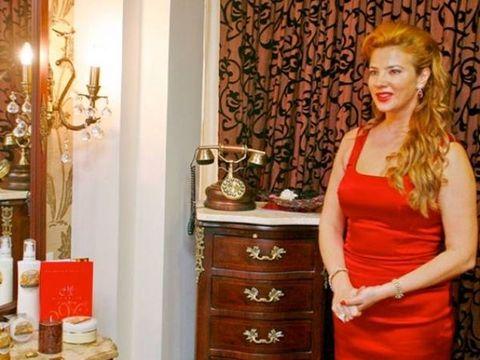 Mihaela Borcea este dezastru în afaceri! Clinica de înfrumuseţare a fostei soţii a lui Cristi Borcea i-a provocat o gaură financiară de peste 3 milioane de euro! EXCLUSIV