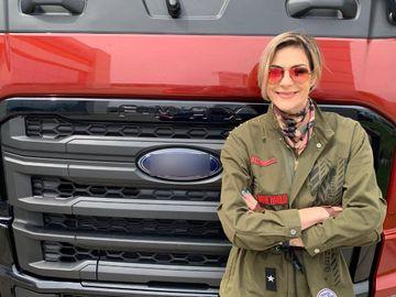 """Roxana Ciuhulescu, la volanul unui camion: """"Am avut pe mâini 500 de cai-putere!"""""""