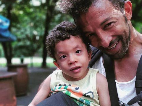Leon, băiețelul lui Kamara, începe tratamentul cu celule stem, în Turcia