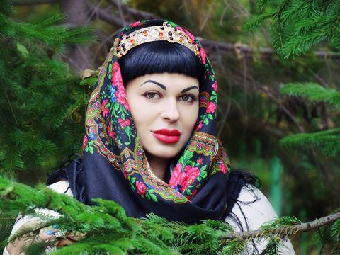 Cum să ai buze de rusoaică! Totul despre noua procedură de înfrumusețare care le-a înnebunit pe românce