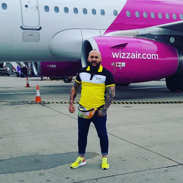 """Dani Mocanu a băut 100 de whisky înainte să se urce în avion, ca să îşi facă curaj: """"Sunt apt de plecare"""" FOTO"""
