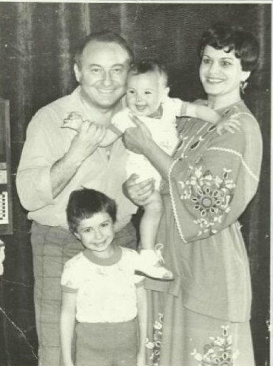 """Anamaria Prodan îi e recunoscătoare iubitului Ionelei Prodan: """"Copia fidelă a tatălui meu. O să-i mulțumesc toată viața pentru că a făcut-o pe mama atât de fericită și a avut grijă de ea"""""""