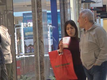 Giovani Becali are consilier de lux la shopping! Imagini geniale cu fiica impresarului VIDEO EXCLUSIV