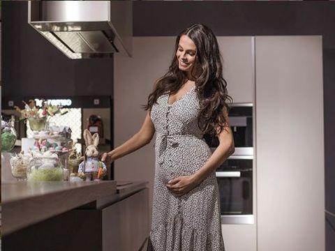 """Imagini incredibile cu Anca Serea însărcinată a şasea oară! Uite ce a făcut vedeta şi cum arată acum! """"O poză în care suntem toţi opt"""" FOTO!"""