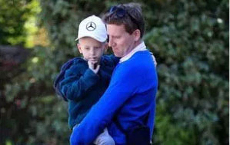 Impresionant! Gestul lui Lewis Hamilton pentru un băiețel bolnav de cancer în fază terminală! Îți vor da lacrimile când vei vedea ce cadou i-a făcut