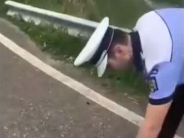 Fost fotbalist de la Rapid, prins beat la volan. A suflat în etilotest și a căzut lat pe asfalt VIDEO