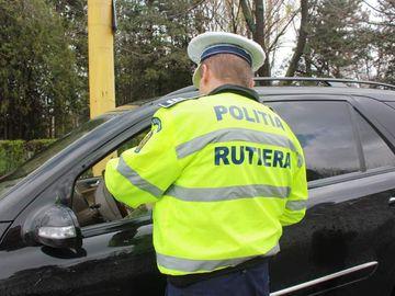 """Dialog halucinant între un șofer prins mort de beat la volan și un agent de la Rutieră: """"Vă rog să-mi prezentați documentele/ 'Trăiți! Carnetul și buletinul de la voi le am, deci le știți... ale lui Roxy..."""" Continuarea întrece orice imaginație"""