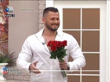 """Un nou concurent la Puterea dragostei! Pentru cine a intrat în casă: """"Pe ea am mai văzut-o..."""""""