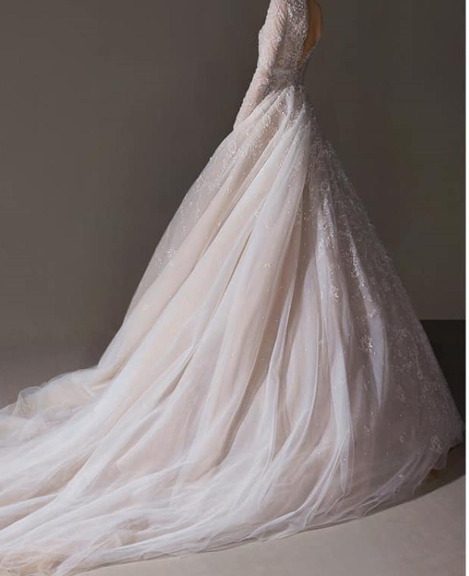 """Beatrice Olaru se mărită azi! Ce rochie va purta câștigătoarea Exatlon în cea mai importantă zi din viața ei! """"Cinci croitorese au lucrat la ea manual, timp o lună""""! Avem toate detaliile"""