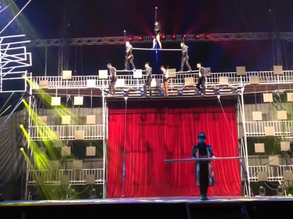 Acrobata Angelica a murit pe scenă, în fața spectatorilor. A lăsat în urmă doi copii