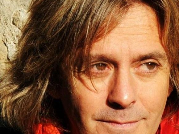Doliu în lumea muzicii! Un cunoscut artist a fost găsit fără viață, în casa lui