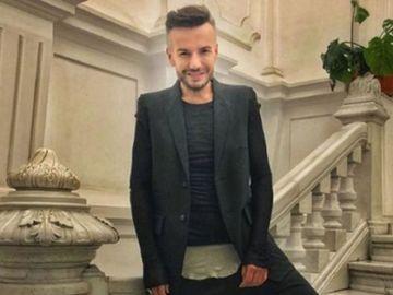 """Fostul iubit al lui Răzvan Ciobanu merge zilnic la mormântul designerului: """"Sufletul meu este bucăţi, bucăţi, bucăţi"""""""