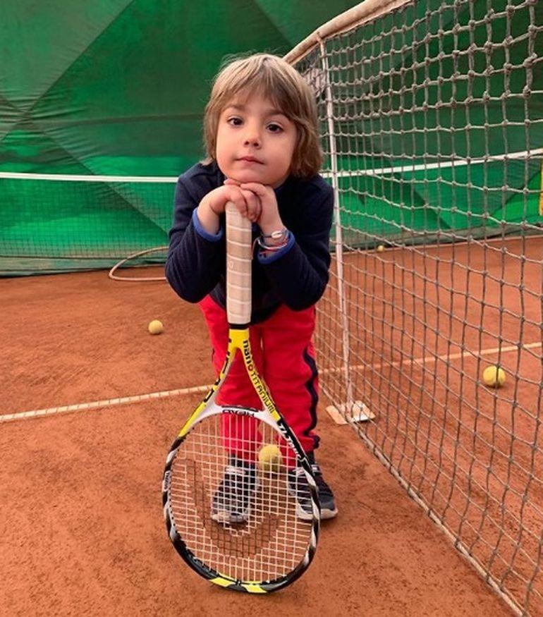 Cum arată acum băiețelul pe care Horia Brenciu l-a adoptat în secret, în urmă cu trei ani! Puștiul a topit inima fanilor