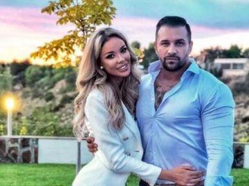 """Alex Bodi a dezvăluit că împarte acelaşi pat cu Bianca Drăguşanu: """"La cine pretindeți voi și visați, doarme lângă mine și mă ţine de mână"""""""