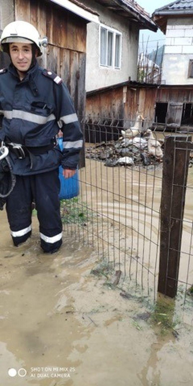 Imaginile dezastrului, după ploile abundente! Zeci de locuințe distruse de apă