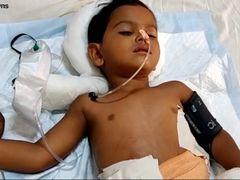 Șocant! Un copil de trei ani a ajuns la spital tras în țeapă! Imagini greu de privit