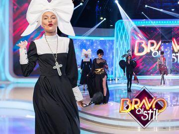 """Bianca de la """"Bravo, ai stil!"""" a comis-o!  Și-a pus jurații în cap!"""
