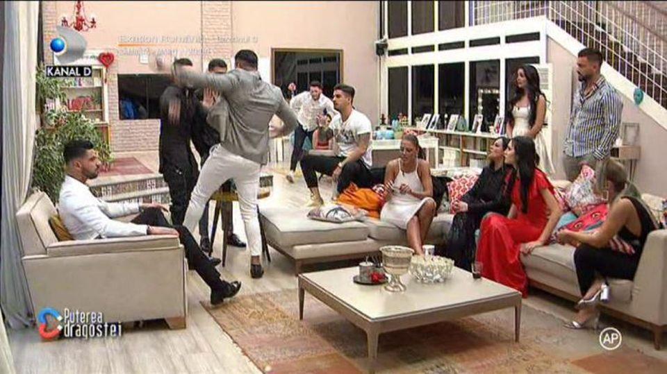 Andy aruncă bomba la Puterea dragostei! Ce a putut să spună despre legătura dintre Bogdan Mocanu și Ana Maria!