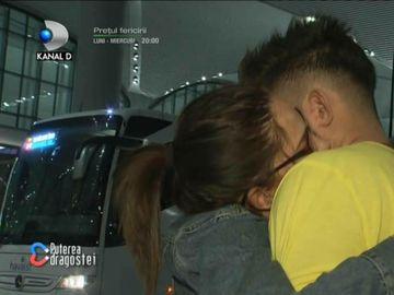 Ricardo a plecat din casa Puterea Dragostei! Momente extrem de dureroase pentru Raluca. L-a condus la aeroport!