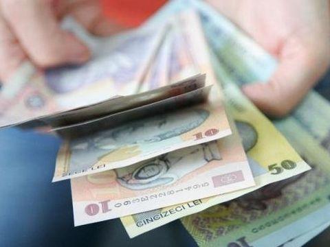Vești bune pentru unii români! Categoria de angajați care va avea salariile crescute