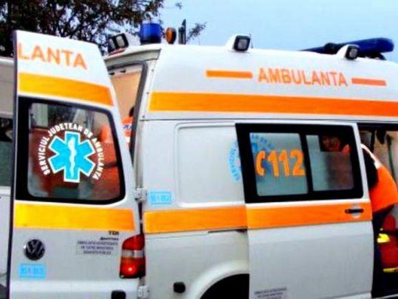 Tragedie de neînchipuit în România! Soţia unui preot s-a aruncat din ambulanţa care o ducea la spital și a murit!