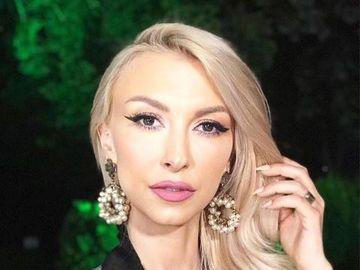 Andreea Bălan, prima apariţie la un eveniment monden după ce a fost la un pas de moarte! Uite cât a slăbit vedeta şi cum arată la faţă! VIDEO!