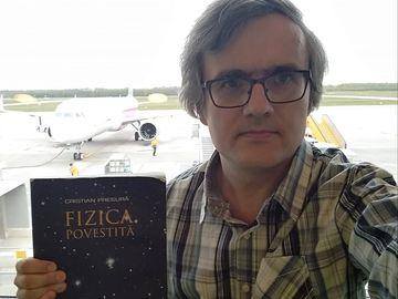 Povestea fizicianului român care a inventat senzorul de la smartwatch! A rămas corigent la fizică pentru că era mai inteligent decât profesorul
