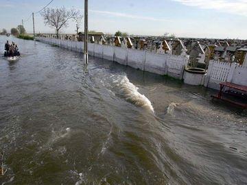 Cod portocaliu de inundații în două județe din țară