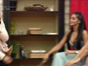 """Simina l-a lovit pe Jador în Gala Puterea Dragostei! """"Te dau în judecată"""""""