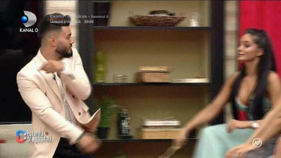 Simina l-a lovit pe Jador în Gala Puterea Dragostei!