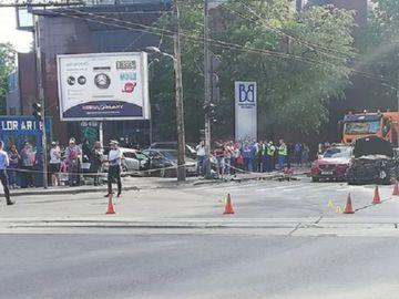 Accident violent în București, pe Bulevardul Carol! 4 persoane au fost rănite după un carambol între mai multe mașini!