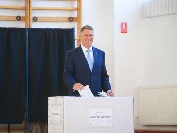 Reacția lui Klaus Iohannis după alegeri: Dragi români, sunteţi fantastici! Guvernarea PSD trebuie să dispară