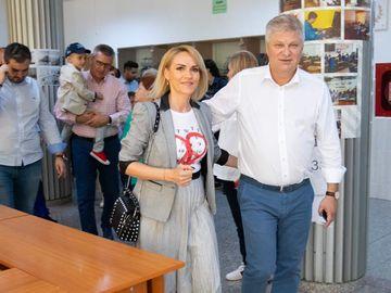 """Reacția Gabrielei Firea după anunțul făcut de Liviu Dragnea """"Niște invenții"""" Primarul Capitalei susține că nu vrea să candideze la Președinție"""
