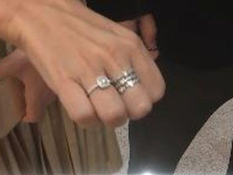 S-au logodit în secret, după ce, în urmă cu trei luni, își anunțau despărțirea! Urmează încă o nuntă în showbiz-ul românesc