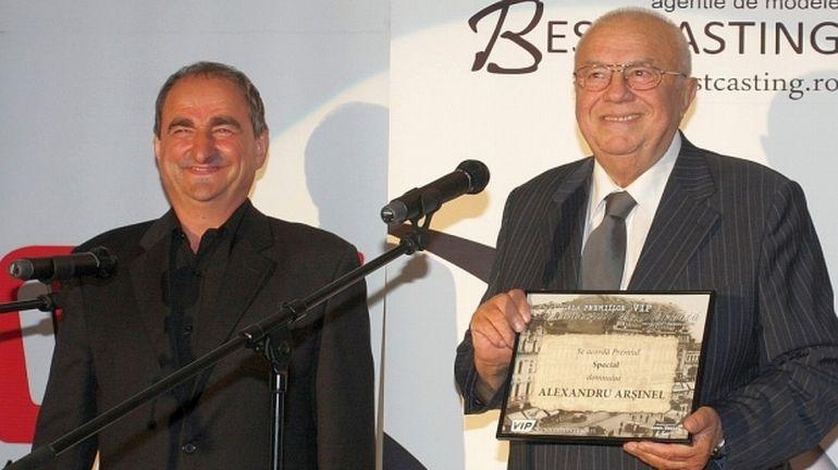 Vasile Muraru a câştigat mai mulţi bani decât Alexandru Arşinel la Teatrul de Revistă! Fostul subaltern a încasat cu 2.200 de lei pe lună mai mult decât celebrul actor!