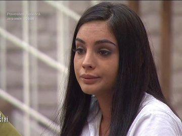 """Simina, prinsă în timp ce ascultă piesele lui Jador: """"Cântam și plângeam ca un cățel"""""""