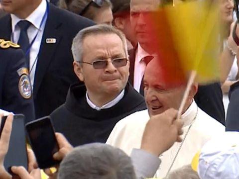 Papa în România 2019. Primele imagini cu Suveranul Pontif la noi în țară! Ce ținută a ales Carmen Iohannis pentru întâmpinarea lui
