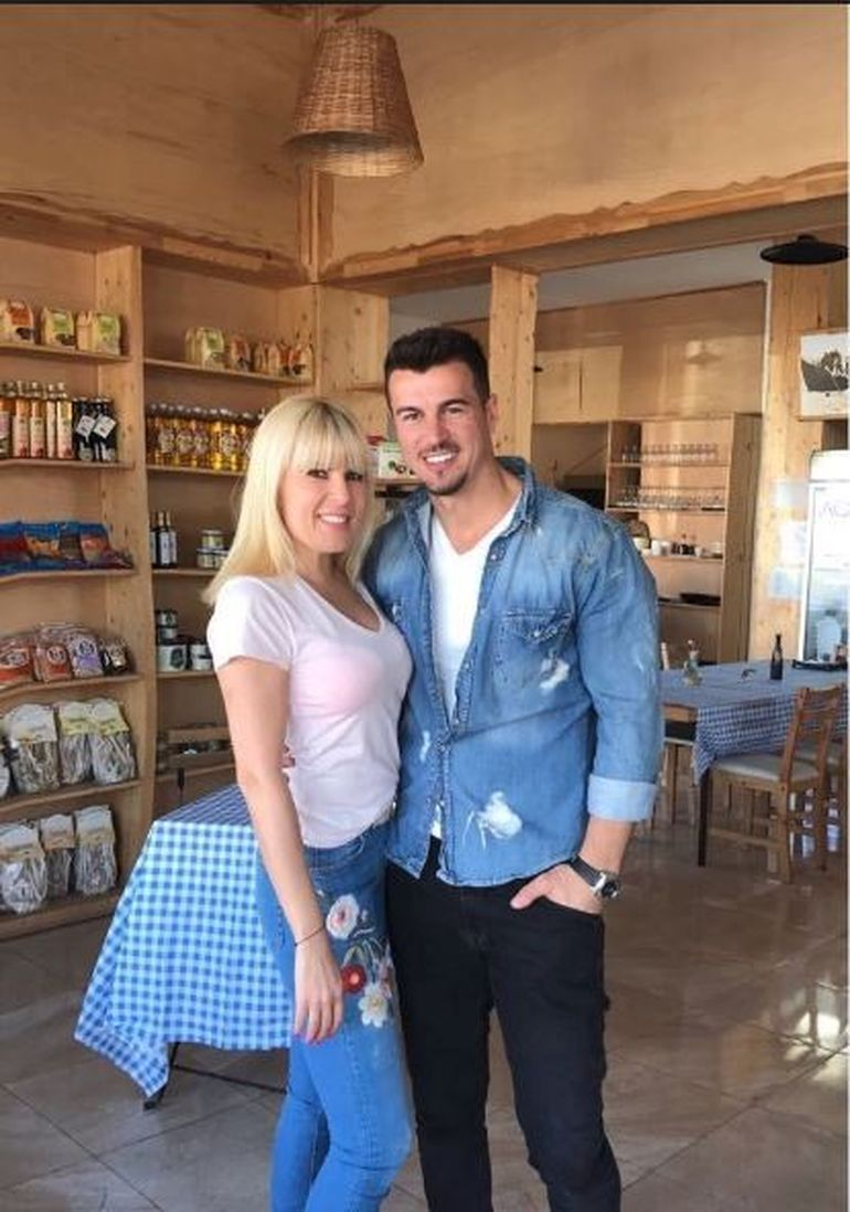 Elena Udrea este în culmea fericirii! Se pregăteşte de nuntă şi de botez!
