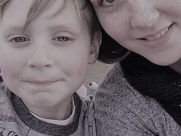 Îngrozitor! Un băiețel de 6 ani a ajuns la spital, iar medicii i-au spus că se preface! Ce s-a întâmplat cu el, după 12 ore