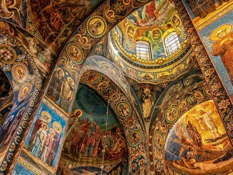 Ce a apărut pe pereții unui biserici din Teleorman! Credincioșii s-au crucit