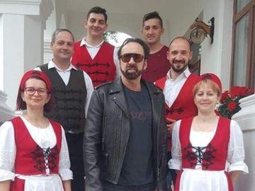 Nicolas Cage, îndrăgostit de preparatele românești! Actorul de la Hollywood a mâncat mămăligă cu brânză și slănină