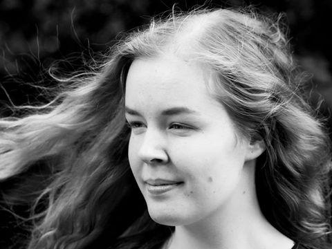 O adolescentă în vârstă de 17 ani a fost eutanasiată, de față cu părinții săi îngroziți