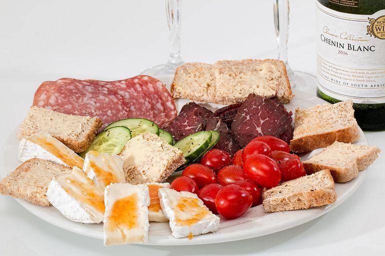 Alimentele care te omoară încet, dar sigur! Provoacă boli cardiovasculare și cancer