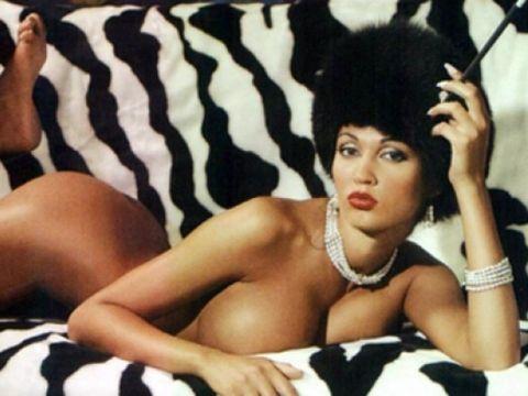 Nicoleta Luciu, din nou goală, la 20 de ani de la apariția în Playboy! Bruneta arată senzațional după două nașteri